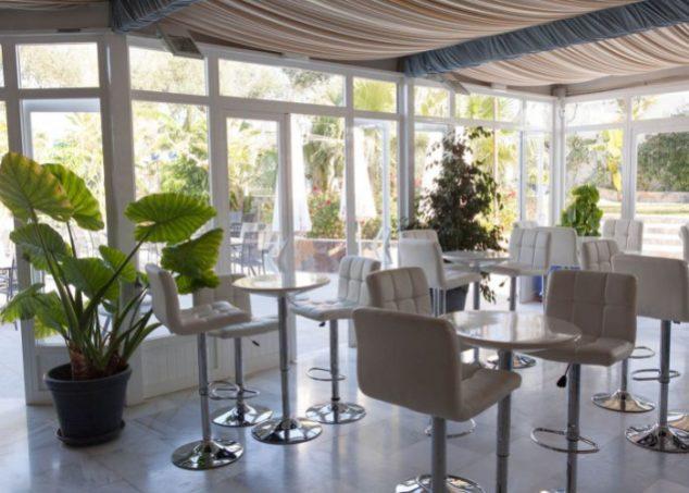 barra-los-espejos-hacienda-azahares-700x500