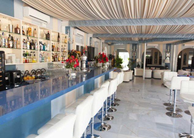 zona-barra-los-espejos-hacienda-azahares-700x500